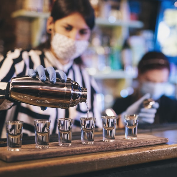 Responsabilidad y bioseguridad con licores, domicilios, barmans y bartenders