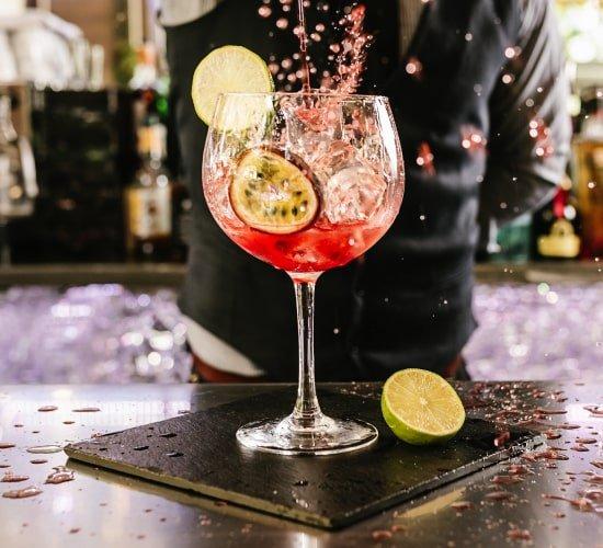 Contratar bartenders barmans bogota colombia bartendme